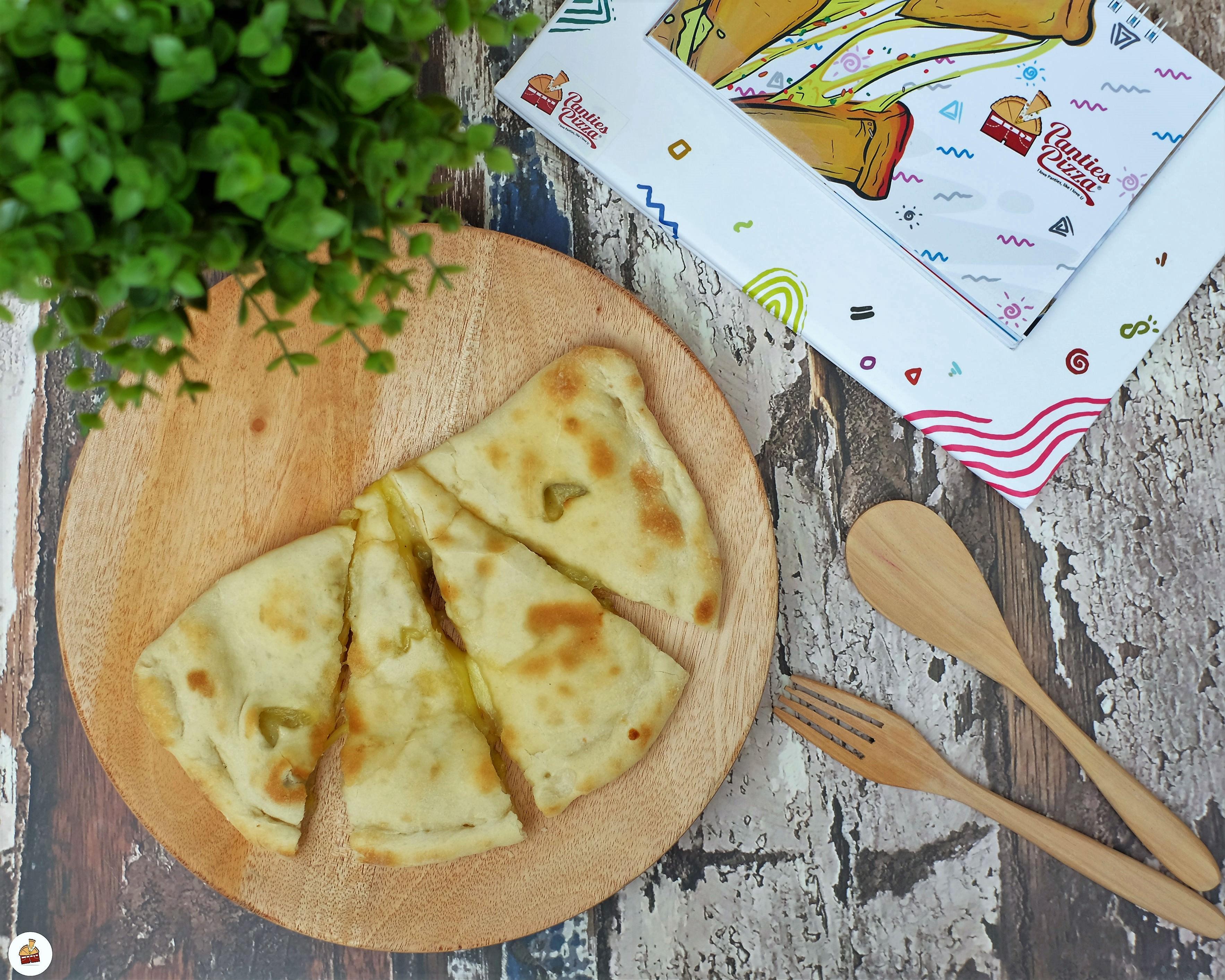 Lipatan Ditiap Irisannya Mengandung Mozzarella Yang Begitu Nikmat Penggugah Selera Mozzarela Terdapat Dalam Setiap Potongannya