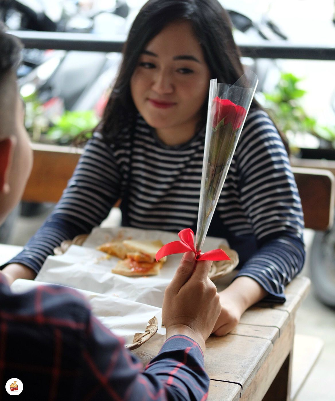 Bunga Mawar Untuk Kamu Hot Inside